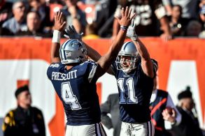Cole Beasley celebrates his touchdown with quarterback Dak Prescott in the first half against the Cleveland Browns (Credit: AP / David Richard).